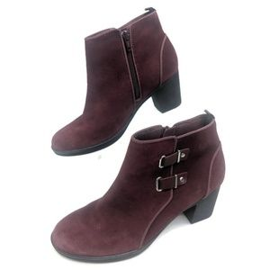 Clarks Ankle Boots Womens 9 Purple Leather